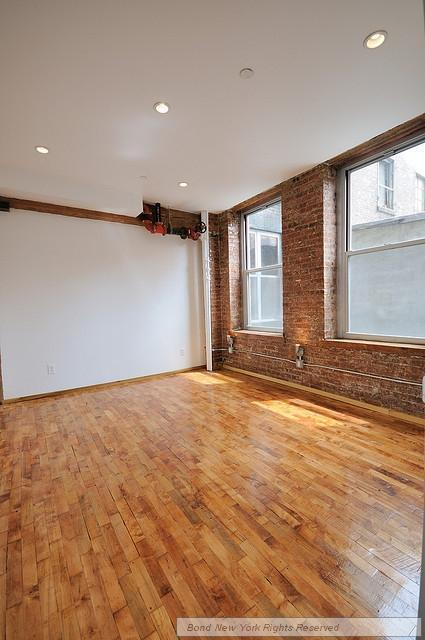 DREAMBOAT LOFT APARTMENT HAS IT ALL *OPEN HOUSE FRIDAY AND SATURDAY*
