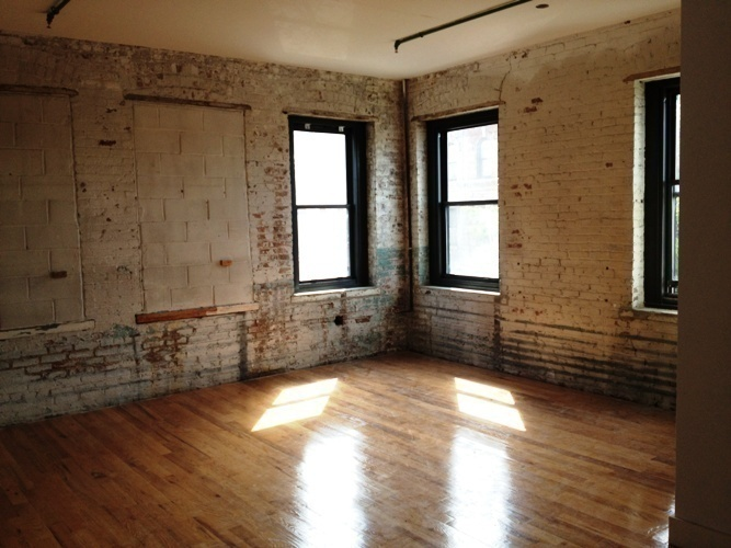 CONVERTED LOFTS * ROOF DECK * RENOVATED OLD SCHOOL APT * NO FEE