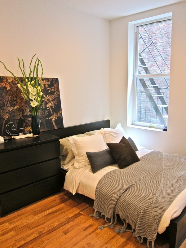 ADORBALE 1st-Floor JR 1 Bed Just Hit The Market! Recently Renovated on a GREAT BLOCK!