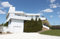 StreetEasy: 588 Dune Road - House Rental in Westhampton Beach, Hamptons