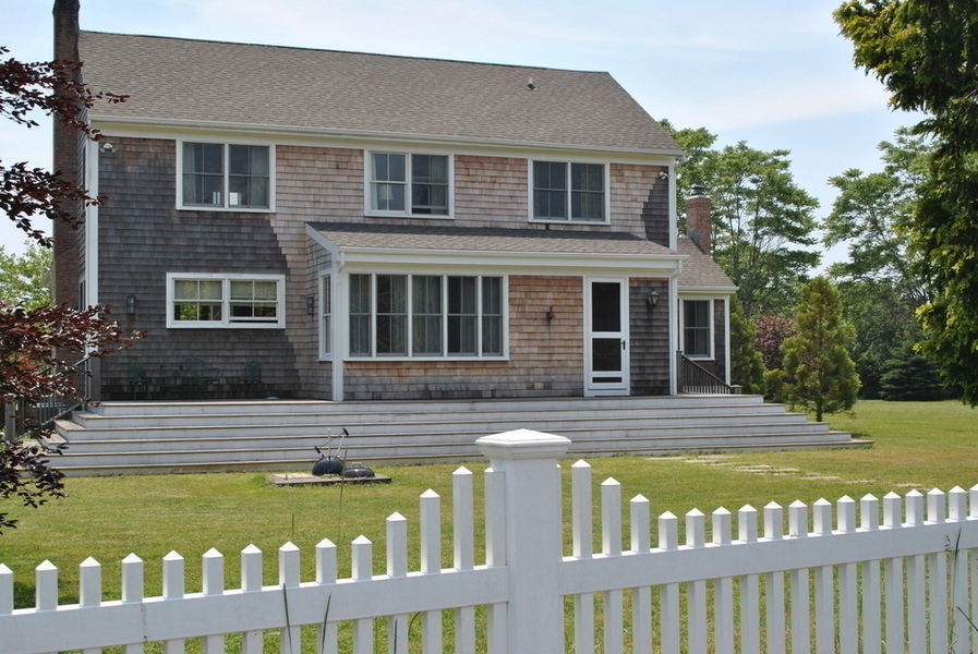 WAINSCOTT SOUTH TRADITIONAL