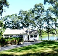 StreetEasy: 1255 Arshamomoque Ave. - House Rental in Southold, North Fork