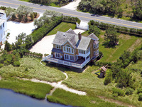 Outstanding Bayfront Home-on Meadow Lane