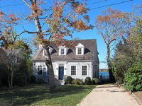 Waterfront-sag Harbor Village