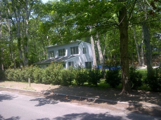 211 Old Sag Harbor Rd