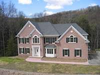 46 Roaring Brook Way