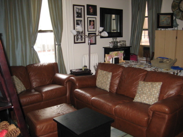 WEST 80TH ST NO FEE ! JUST OFF COLUMBUS AVE LARGE 2 BEDROOM WITH LARGE LIVINGROOM AVAILABLE DEC 15 NO FEE