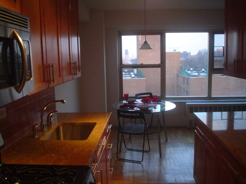 3 BEDROOM CO-OP IN DOWNTOWN BKLYN