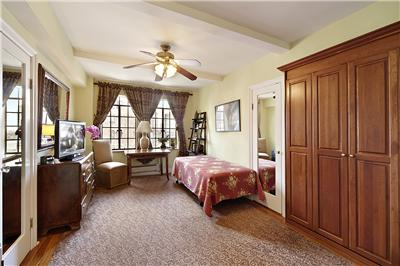 25 Tudor City Place, Apt 1702