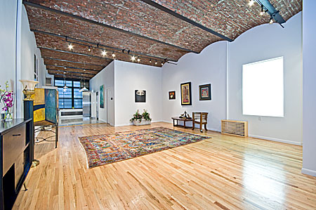 FULL FLOOR, ONE-OF-A-KIND 1900SF LOFT
