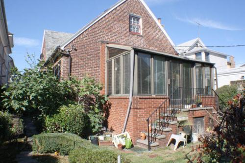 Single Family Estate Sale on massive lot in Midwood