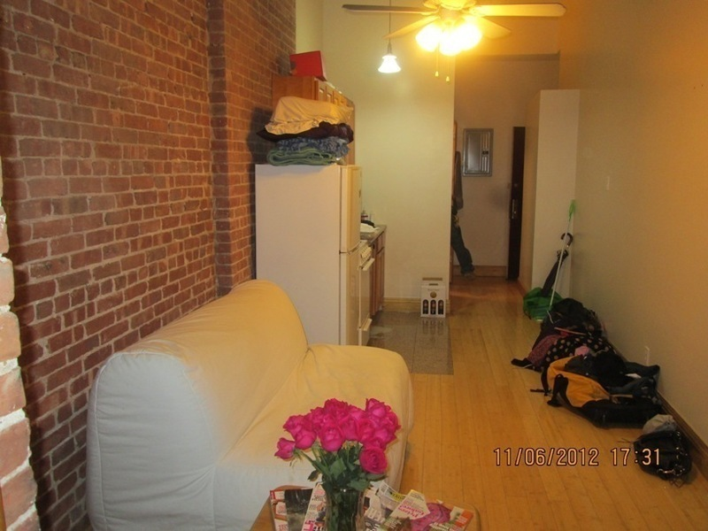 70st & Columbus Ave 1Br Hardwood floors, Expose Brick wall, bay window Move Asap