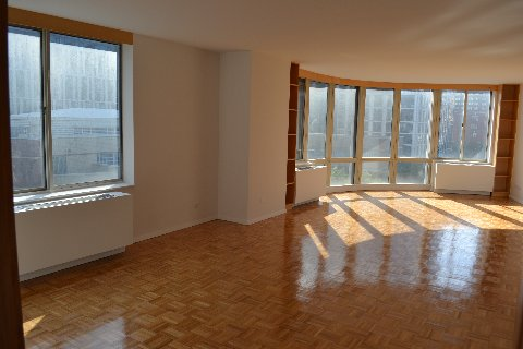 Real THREE Bedroom on Greenwich Street Overlooking Park