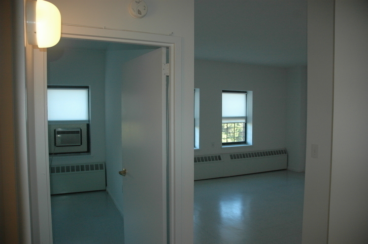 Spacious Studio in Far Rockaway with Exceptional Ocean Views! NO FEE!