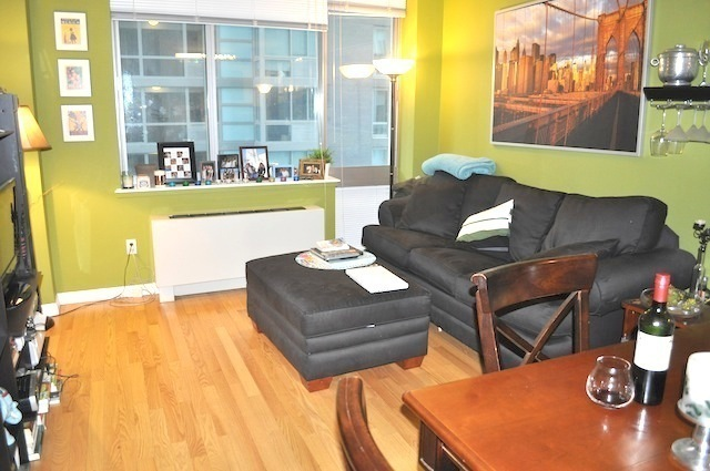 Spacious & Beautifully Furnished True 2 Bed in Luxury Building