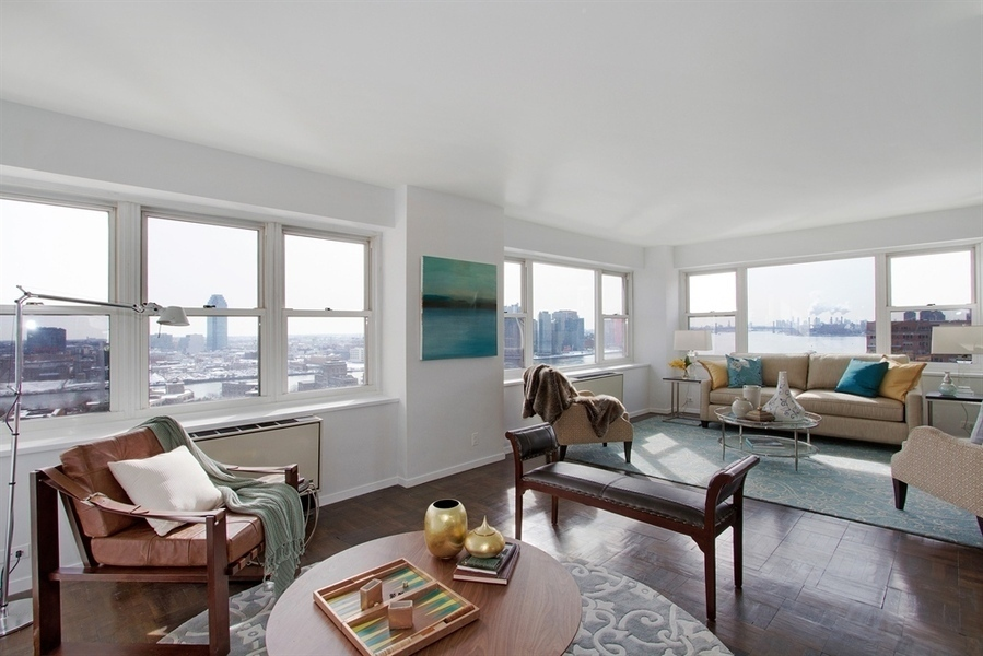 35 Sutton Place #21A