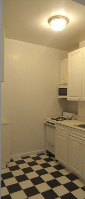 LARGE 1 BEDROOM!