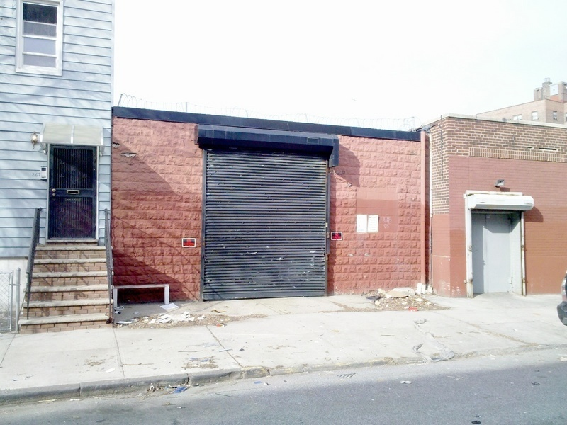 Investment / Development Opportunity > Commercial Garage for Sale