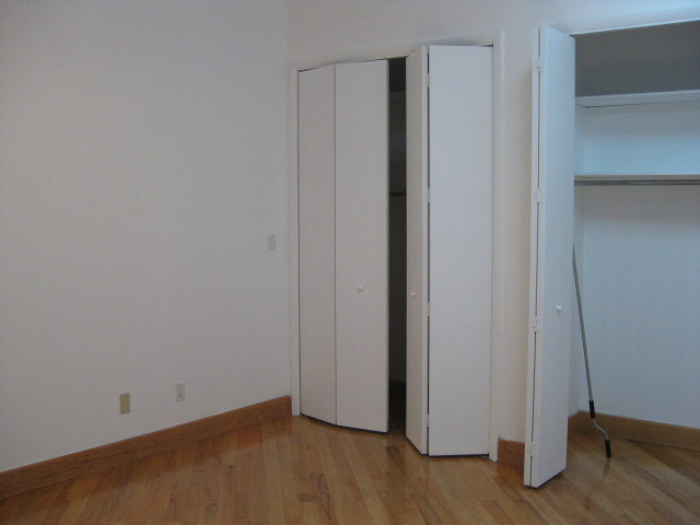 GORGEOUS 2 BR LOFT ON READE STREET!KEY/LOCK ELEVATOR BUILDING!LAUNDRY IN UNIT