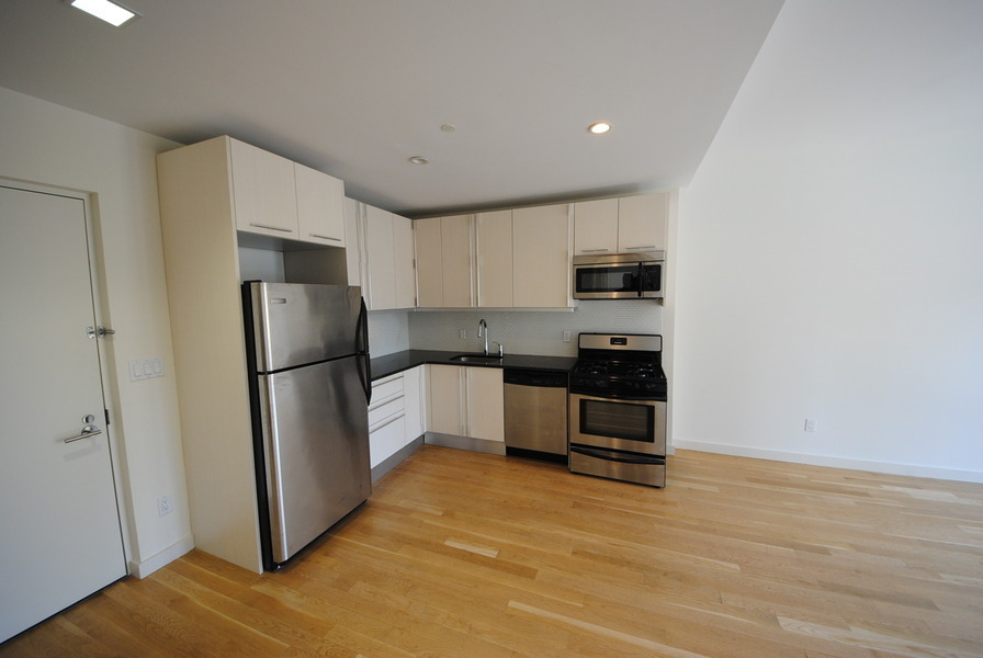 Brand New Condo rental - Many ammenities