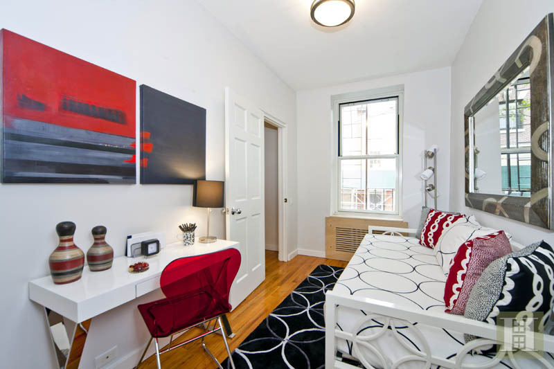2 BR Brooklyn Heights Beauty with Parking
