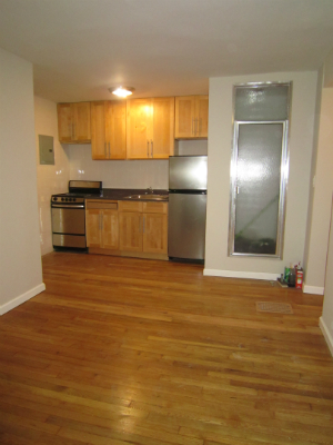 Great Garden 1 Bedroom, Newly Renovated * HUGE 800SF Private Yard/Patio @ 80th @ Lex