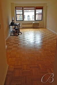 StreetEasy: 345 East 52nd St. #7H - Co-op Apartment Rental in Turtle Bay, Manhattan
