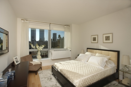 Stunning 1 Bedroom in Upper West Side with Open Kitchen - No Fee!