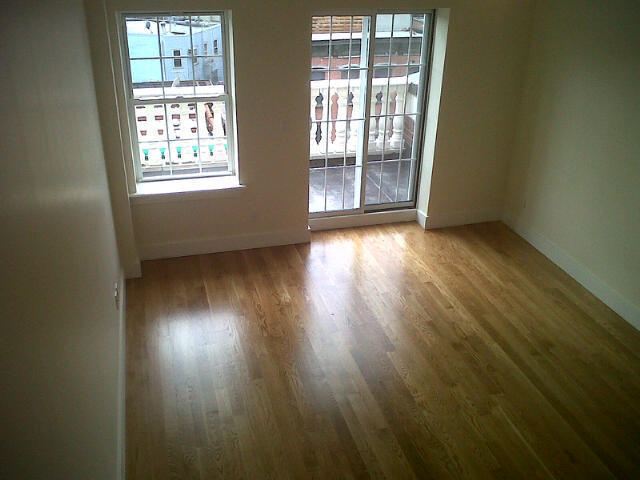 NEW NO FEE 2 BR 2BTH WBURG PENTHOUSE NR L 1 MO FREE RENT 2 PVT TERR 2 FLOORS!