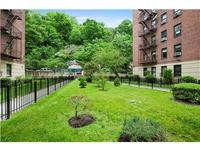 StreetEasy: 259 Bennett Ave. #6D - Co-op Apartment Sale in Hudson Heights, Manhattan