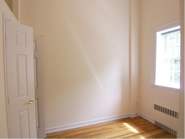 Charming Renovated 1 Bedroom on Central Park Block