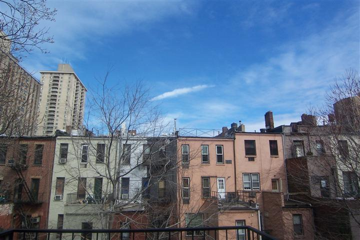 West 90 Brownstone Studio Terrace $1825 Immediate