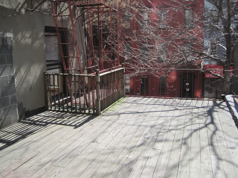 3 Bedroom, 2 Bath Rental @ 355 East 78th! HUGE 400sf Private Outdoor Patio! Washer/Dryer! NO FEE!