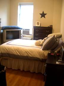 * PARDON THE MESS* HUGE 1BR, 14FT CEILINGS, SEPARATE KITCHEN, RENOVATED BATH, 1 FLIGHT UP