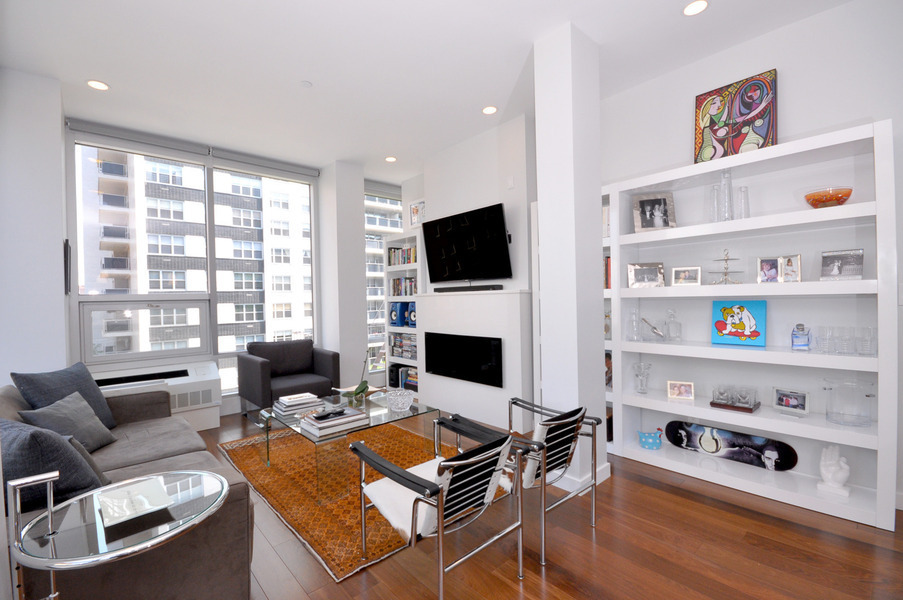 First Resale in BLDG New Construction Condo in Gramercy Park!