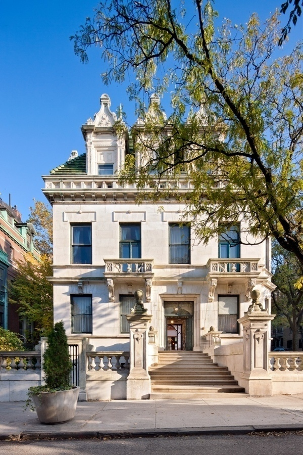 301 moved permanently for Manhattan mansions for sale