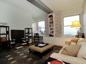 GORGEOUS 1 BR LUXURY CONDO HOME ON A VERY HIGH FLOOR WITH MAGNIFICENT VIEWS…