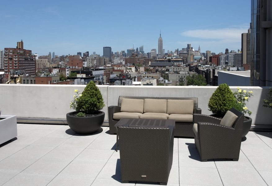 Luxurious 2 Bedroom in Pet Friendly Soho building w/ Spectacular Views, and No Fee