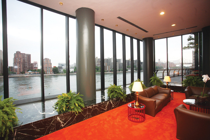 High Floor Corner 2 Bedrooms/2Bath