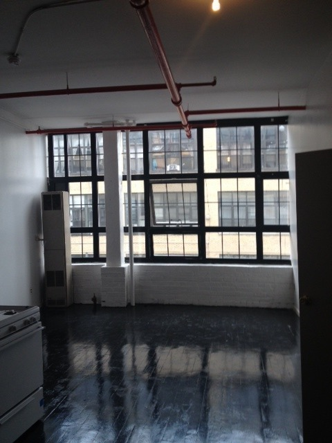 NEWLY RENOVATED WBURG 4BR LOFT EXP BRICK FACTORY STYLE WINDOWS NR L