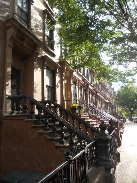 HARLEM BROWNSTONE $599,000