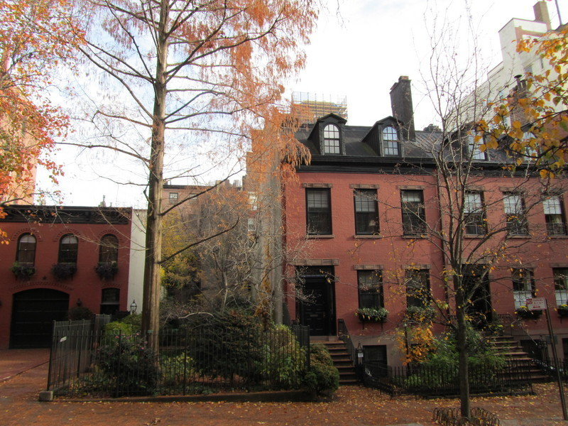 HUGE BROWNSTONE ,VACANT,READY FOR YOUR GUT RENO!