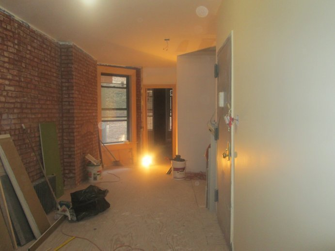 All NEW GUTT RENO.+1.5 BATHS=18 FOOT Living Room+2 BIG Brs(80th St)>THE ONE<