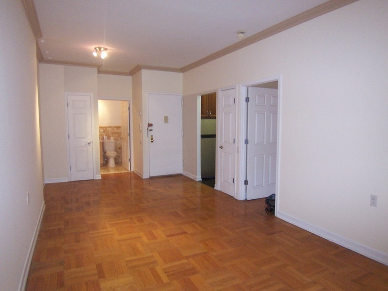 NEWLY RENOVATED, ONE BEDROOM WITH BALCONY -SPONSOR UNIT.