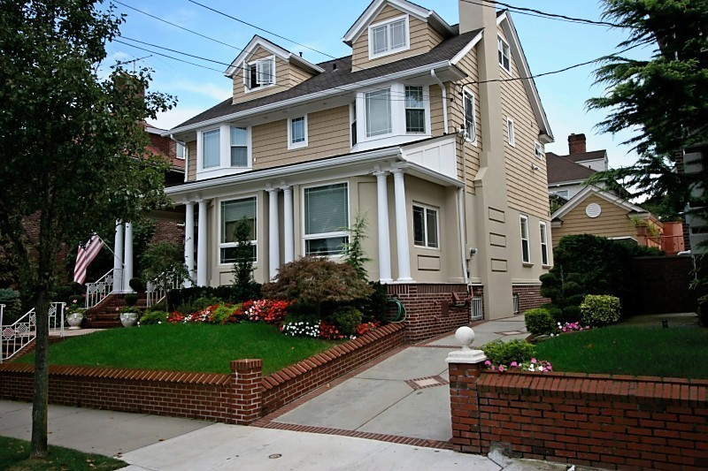 """Bay Ridge real estate is enviably varied. There are condos, apartments and houses for sale here, and many of these provide stunning views of the Verrazano-Narrows Bridge. Some of the most sought-after Bay Ridge homes are on Shore Road, nicknamed the """"Gold Coast"""" of Brooklyn. This strip is where."""