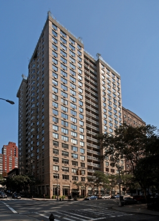 Amazing 2 Bed/2 Bath in Upper West Side w/ Balcony - No Fee