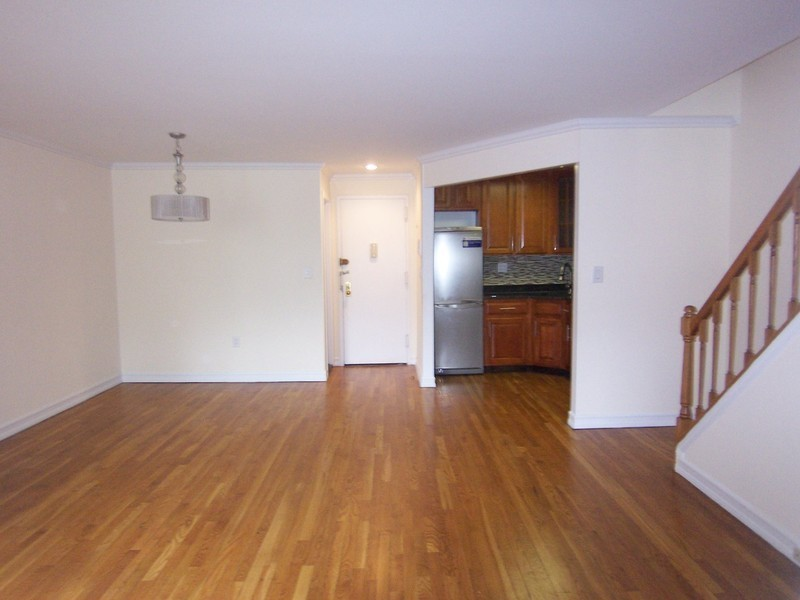 New to Market. Large 2 Bed/1 Bath by Central Park