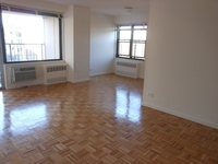 StreetEasy: 70 West 95th St. #2D - Rental Apartment Rental at West Side Marquis in Upper West Side, Manhattan