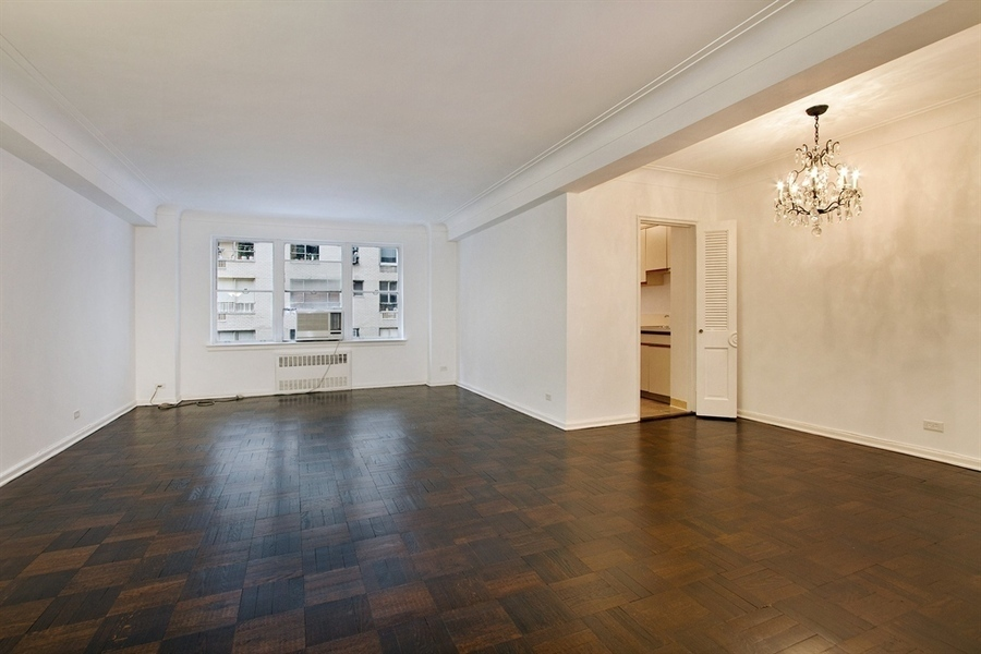 1056 Fifth Avenue #5D