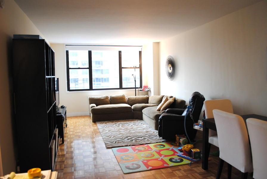 LARGE 2BR APT IN LUXURY BUILDING